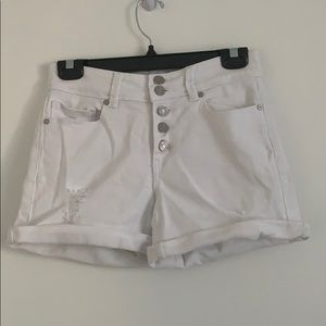 INDIGO REIN RIPPED WHITE SHORTS WITH 5 BUTTONS